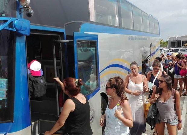 Suratthani to Phuket - Standard Bus by Phantip Travel_0