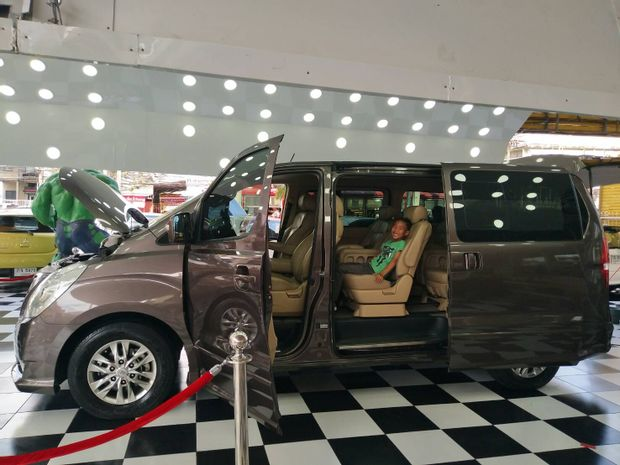 Sam Roi Yot to Banguecoque - Luxury Minivan - 6 PAX by Bangkok Taxi 24_0